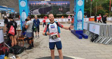 Hübi beim Great Wall Marathon oder ein Drache im Land der Drachen