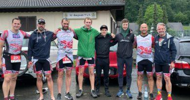 Fulminanter Einstieg in die Ligasaison beim Burgwald-Triathlon